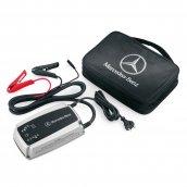 Mercedes-Benz Ladegerät mit Ladeerhaltungsfunktion 25 A, A0009820321