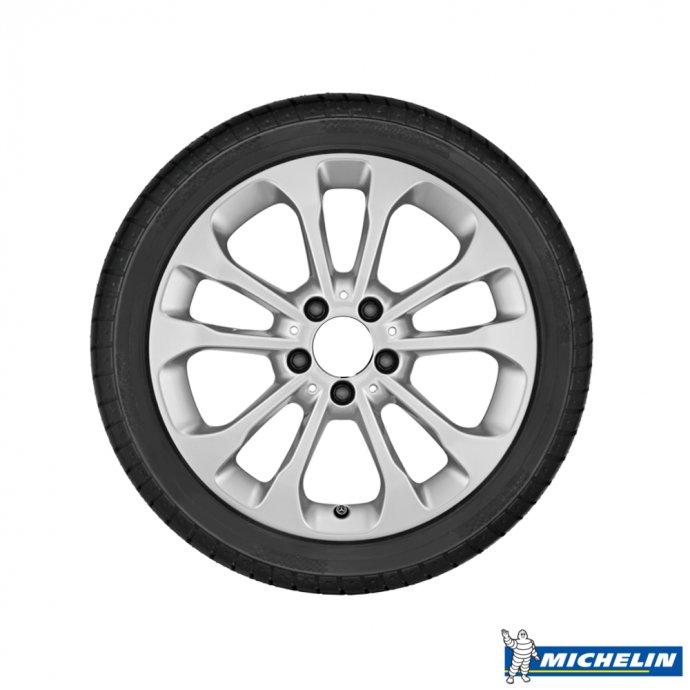 GLA-Klasse Winter Komplett-Radsatz Michelin Alpin A4 MO X156 gebraucht